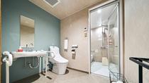 ・ツインルーム/1階のバリアフリールーム バストイレ