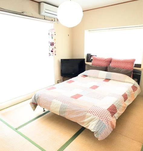 寝室1 ダブルベットを設置してあります。