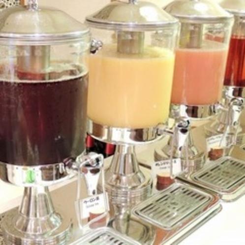 朝食・ランチはドリンクバーをご用意。お好きなソフトドリンクをどうぞ。
