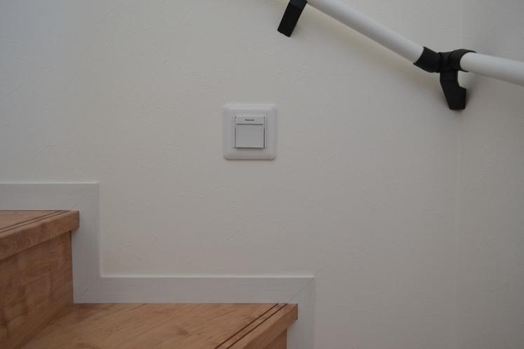 停電時点灯するライト Foot Light