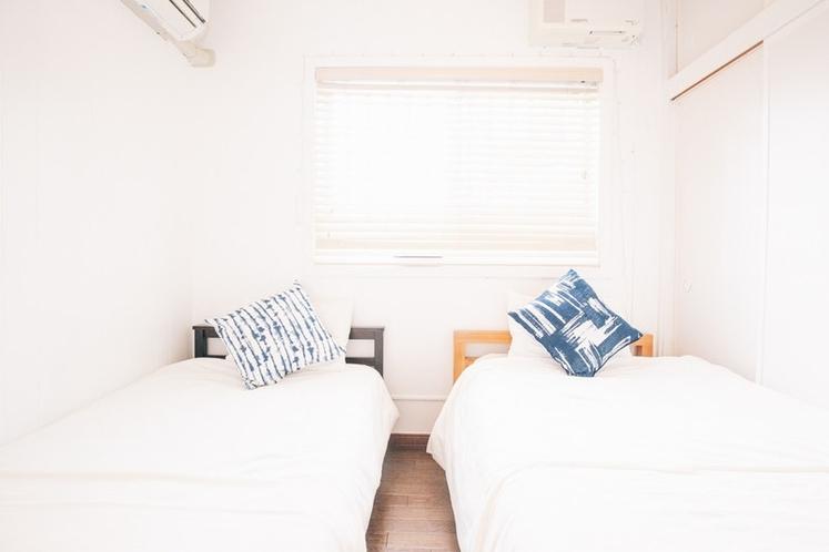ベッドルーム A