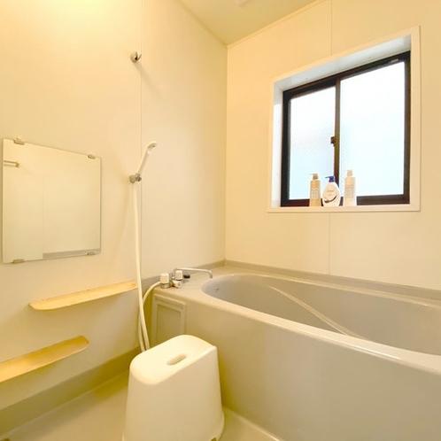 バスルームバスタブ