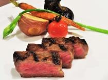 【夕食】プレミアムルーム・マウンテンルーム宿泊者限定 石窯ロースト料理 ビーフ(一例)