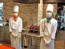 ■調理スタッフもマスク・手袋着用