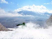 【下倉スキー場】残雪が残る3・4月はまだまだウィンタースポーツをお楽しみ頂けます!
