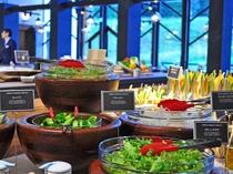 【夕食ブッフェ】新鮮なサラダ(一例)