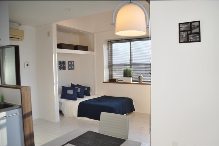 Modern and stylish apartment down town with sea...