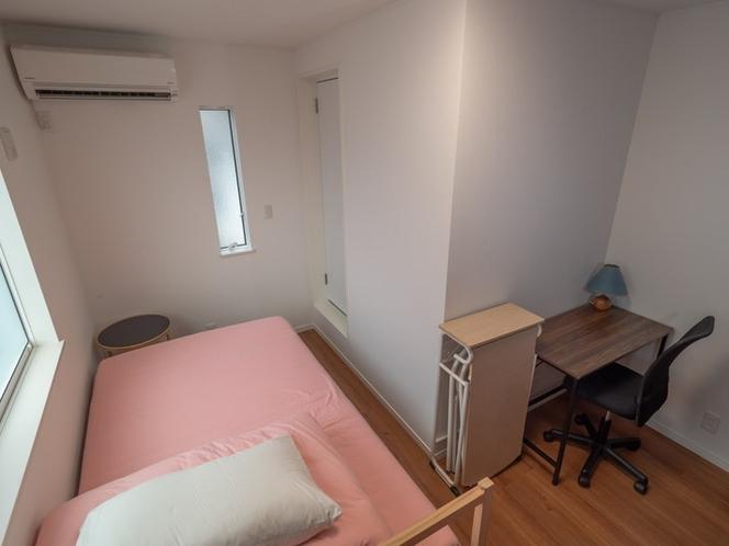Bedroom(Double) 寝室はダブルベッドです