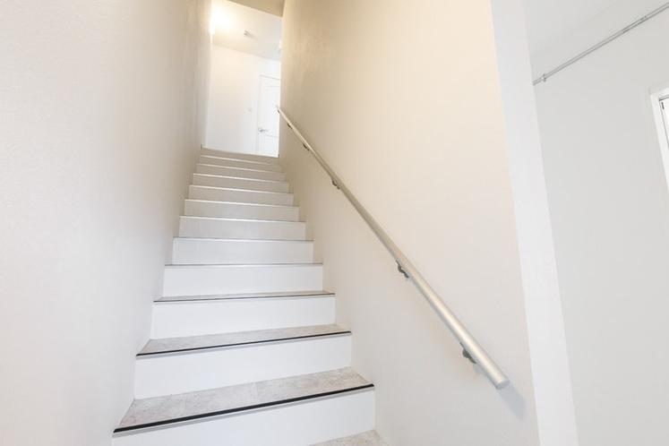 二階に上がる階段です