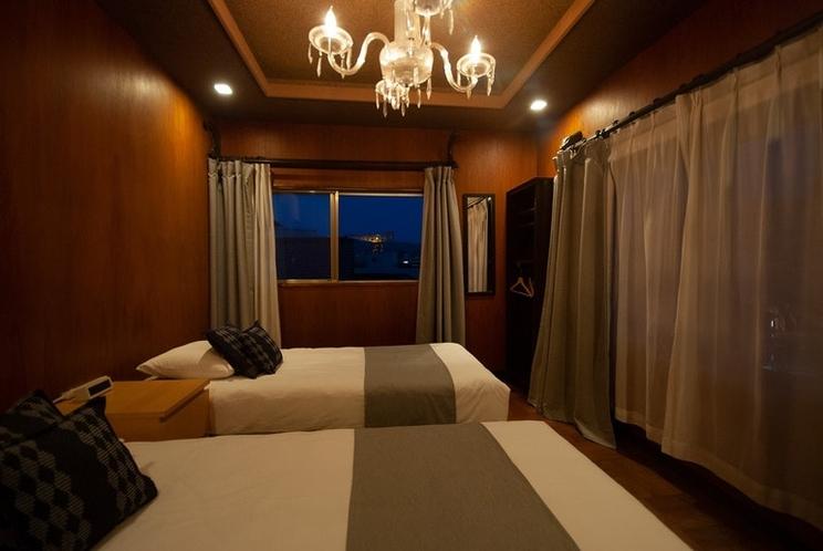 ルームSにはシングルベッドが2台ございます。
