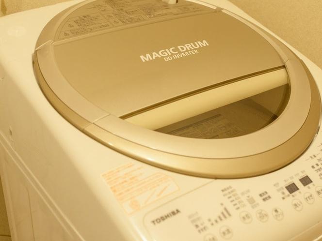 長期滞在に便利な洗濯機も設置
