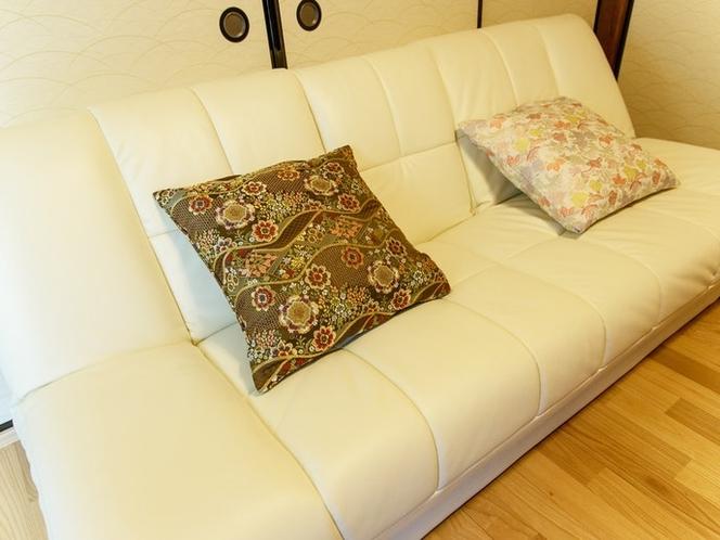 ゆっくり寛げるリビングのソファ
