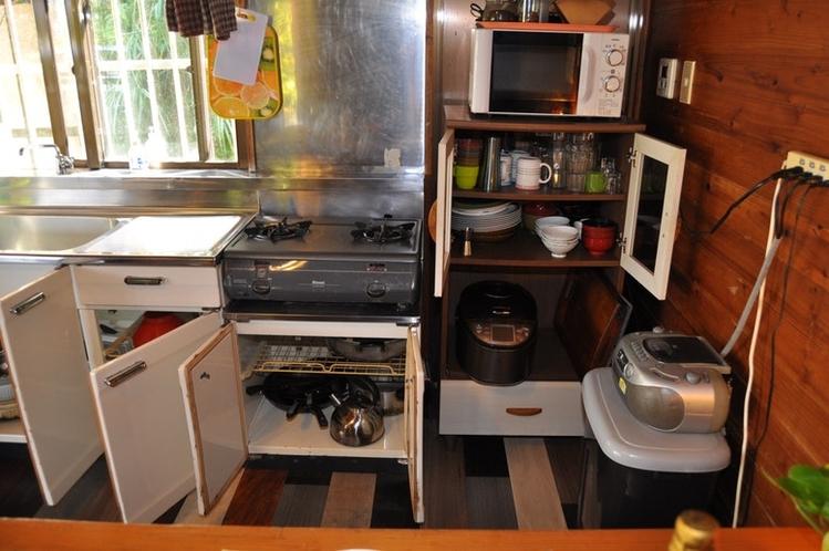 キッチン(下戸棚 調理器具)