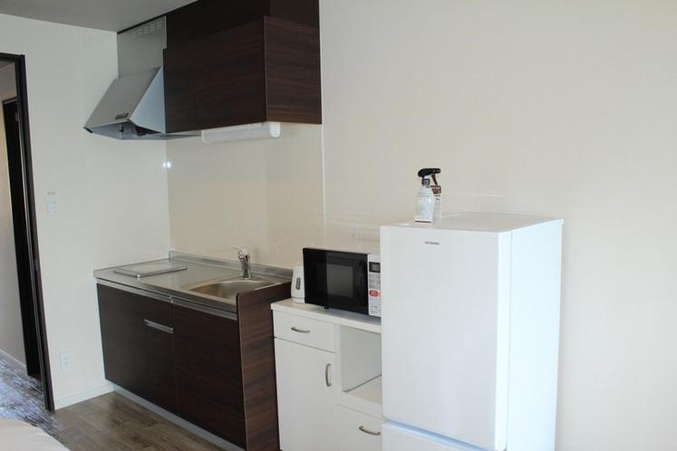 キッチン、冷蔵庫、電子レンジ