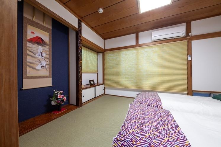 2F寝室(和室/ベッド)です。