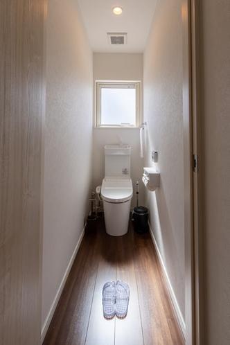 トイレ(1階と2階にあり)