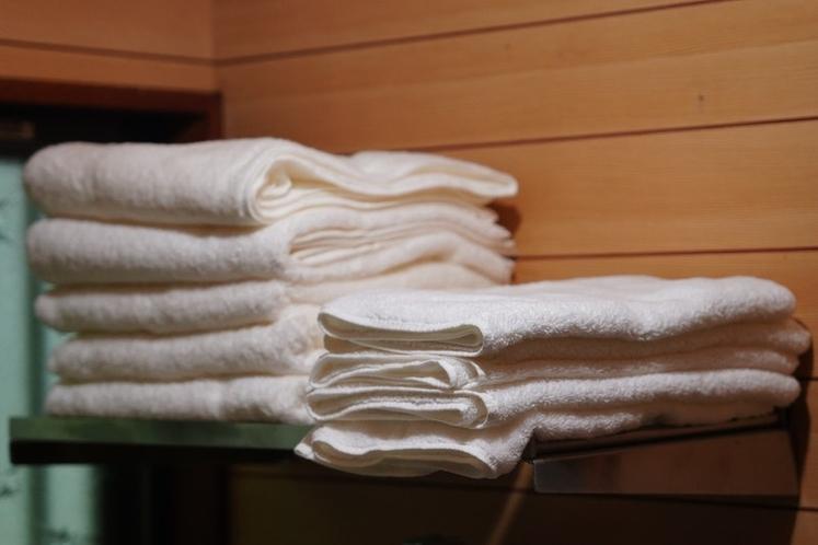 タオルや歯ブラシ、シャンプー・リンスなどご用意がございます。