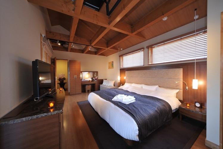 2階にはキングサイズのベッドを完備