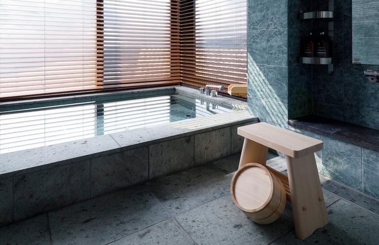 オーシャンビューの浴場