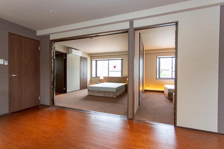 寝室2つございます
