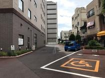 ホテル駐車場①
