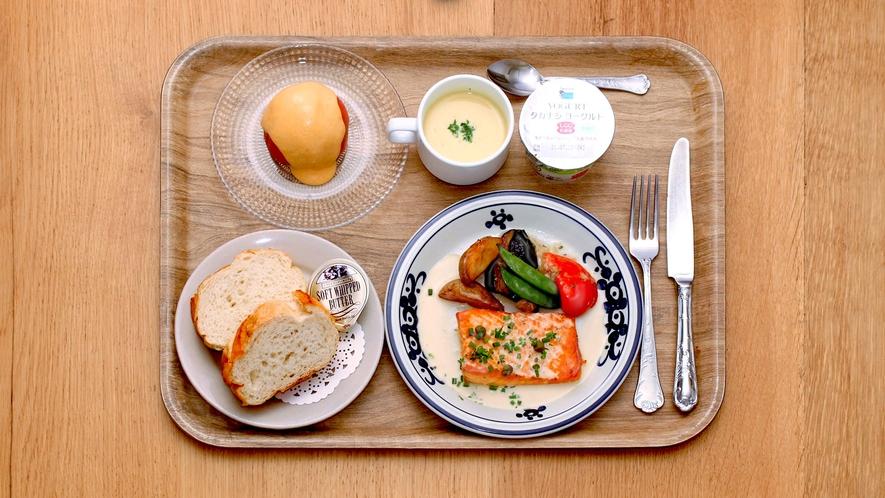 【朝食】1階レストラン つばめグリル