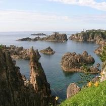 【観光】荒波で削られた海岸美 尖閣湾(せんかくわん)