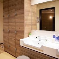 【浴場】ロッカー/洗面所