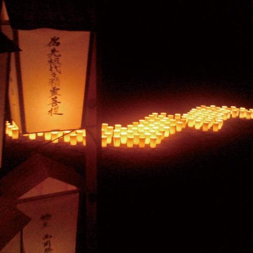 山代温泉:万灯会(毎年8月16日開催)
