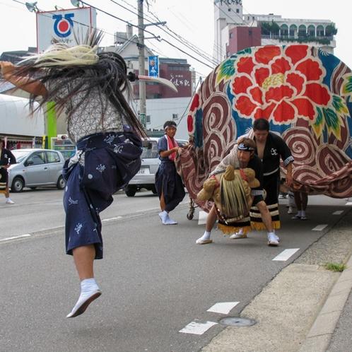山代温泉:八朔祭(大獅子舞)