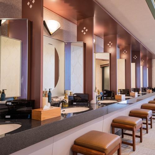 温泉:本館南大浴場「鏡花の湯」パウダーコーナー