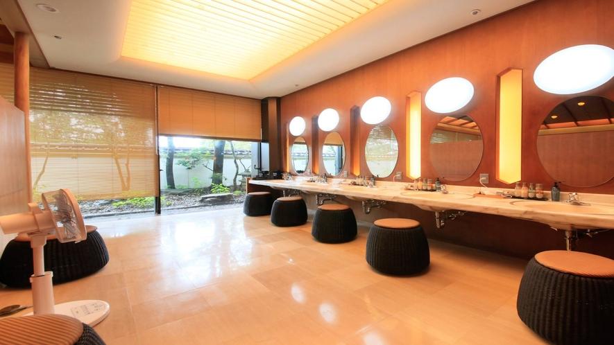 温泉:別邸・奏の湯「紅梅の湯」パウダーコーナー