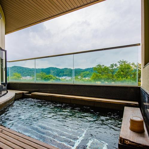 温泉:本館南大浴場「鏡花の湯」露天風呂