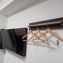 客室TV・ハンガーラック