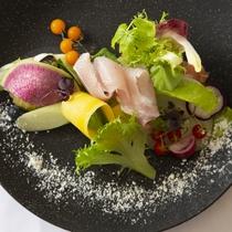 【ある日の前菜】氷見産福来魚のシーザーサラダ仕立て