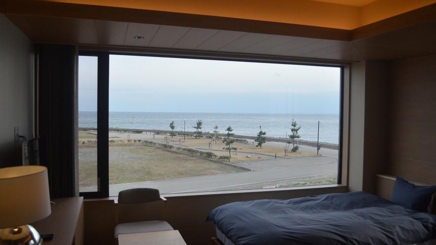 ■スーペリアツイン 大きな窓から見える景色