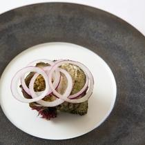 【ある日の前菜】氷見産天然サザエのブルギニオンバター焼き