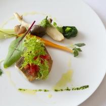 【ある日の魚料理】氷見産黒鯛のポアレ トマトのコンポゼ