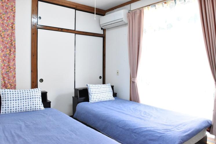 2階寝室B