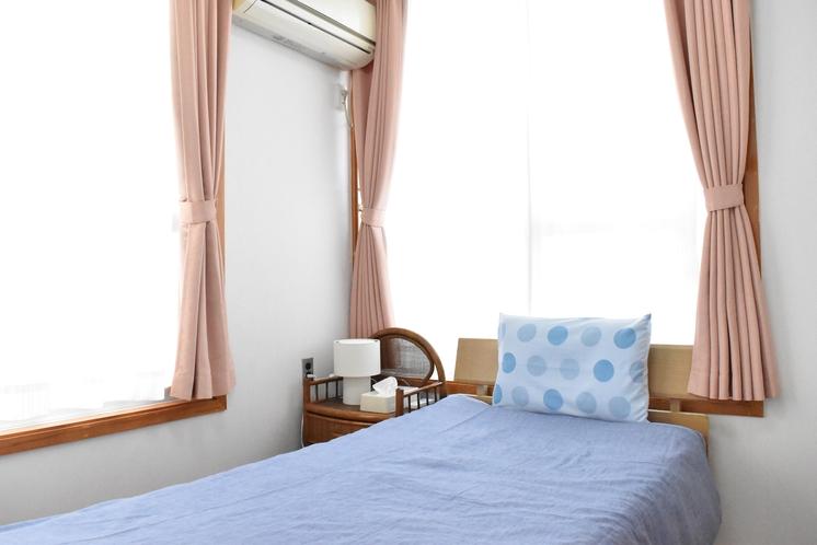 2階寝室C