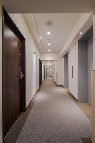 宿泊階廊下