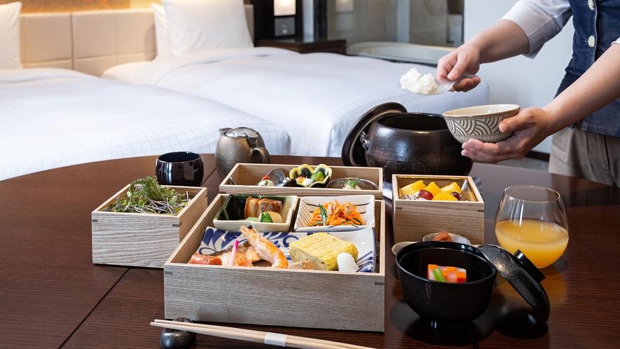 【朝食】島の恵みがつまった特別な朝食。全室インルームダイニング。スタッフがお部屋へお届け致します。