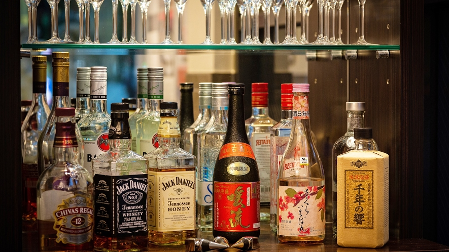 【クラブラウンジ】イメージ/シャンパン・ワイン・泡盛・ウィスキー等ご用意しております