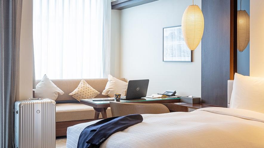 【客室イメージ】お部屋の広さは通常タイプでも40㎡以上。那覇市内ではトップクラスの広さです。