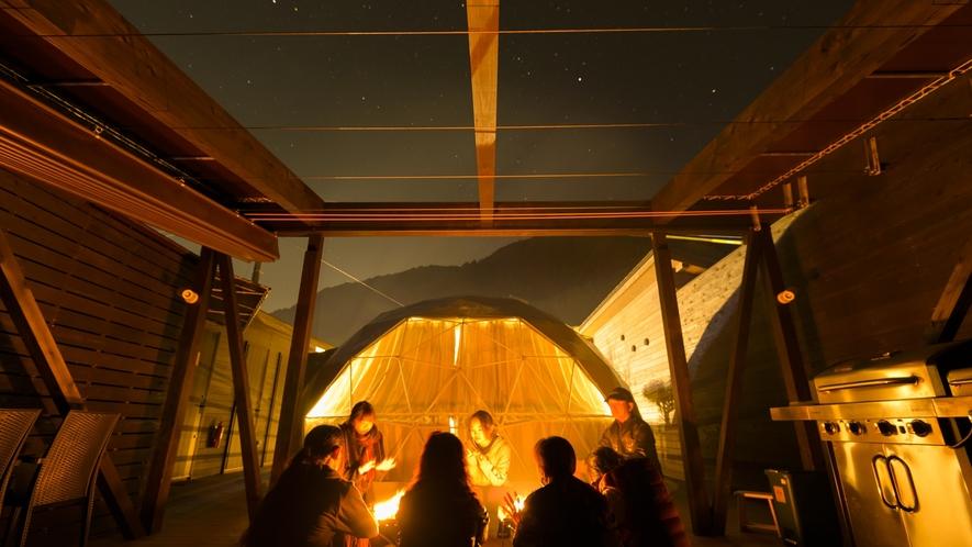 たき火、BBQ、星空で贅沢なキャンプを満喫!