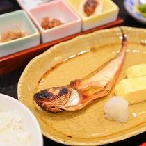*朝食一例/日本海で獲れたお魚をお出ししています♪
