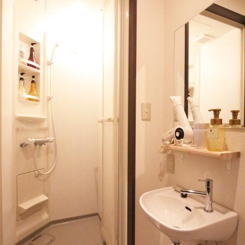 ■スタンダードダブルルーム/専用シャワールーム