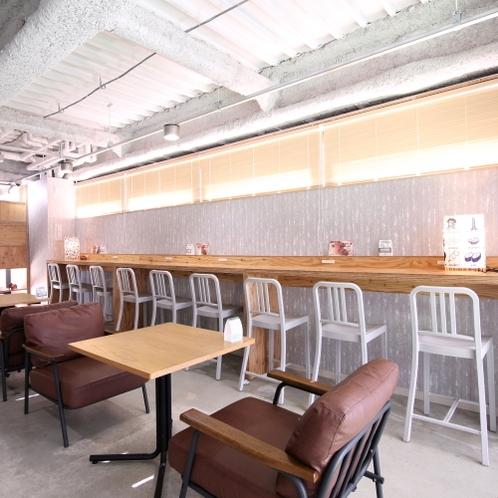 ■2階ゲストラウンジ/おしゃれな雰囲気のラウンジ。様々な人との交流を楽しめる場です。
