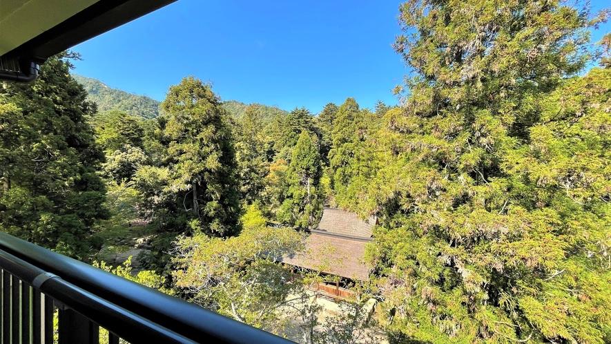 《客室》大元神社側の眺望