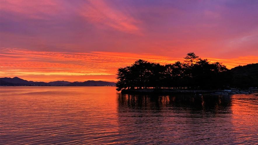 《宮島の朝日》 西松原